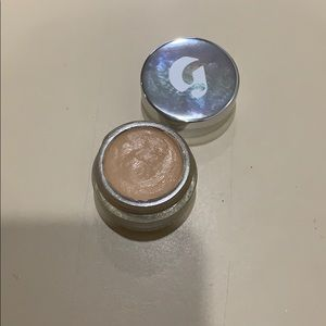 Glossier Makeup - GLOSSIER STRETCH CONCEALER IN MEDIUM